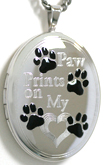 L8083 Paw Prints oval locket