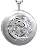 L1017 embossed moon sun locket