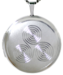 L1065 22mm round spiral trinity locket