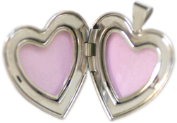 Open 25mm heart locket