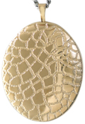 L9005 25 oval locket with reptile