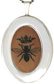 L8091 bee with crown locket